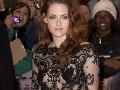 Kristen Stewart v Londýne žiarila v polopriehľadnom overale
