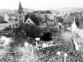 VIDEO Pred 25 rokmi takto spievali tisícové davy: Najväčšie hity z námestí Nežnej revolúcie!