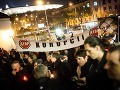 Protest: Pred ministerstvom zapálili sviečky za spravodlivosť a podporili Piussi!