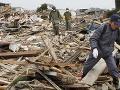 Japonsko zaplatí za likvidáciu trosiek po cunami vyplavených v USA