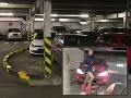 Trapas v obchodnom centre: Vodičke skrížil cestu obrubník, ostala na ňom
