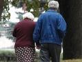 Plány českej vlády: Manželia si dôchodky rozdelia na polovicu