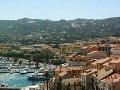 Korzikou otriaslo 24 explózii: Separatisti útočili na domy dovolenkárov