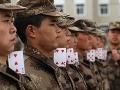 FOTOREPORTÁŽ Neskutočný dril vojakov v Číne: To ste ešte nevideli!