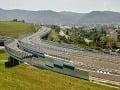 Motoristi, pozor, na R1 budú vymieňať mostné uzávery