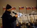 V Bratislave protestovali stovky ľudí, vystúpil aj novinár Tom Nicholson