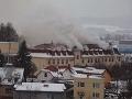 V Bytči znova horelo, opäť rovnaká budova: Hasiči sa museli vrátiť!
