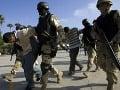 Ozbrojené zložky USA a migranti
