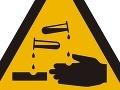 Chemická nehoda v Česku: Z kamiónu vytieklo 3,5 tisíca litrov nebezpečnej kyseliny!