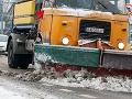 Počasie nás skúša: Opäť snehové jazyky a záveje