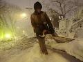 Snehová superbúrka ničí USA: 600-tisíc ľudí bez elektriny, 5000 zrušených letov a prvé obete!