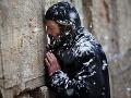 Prísne pravidlá judaizmu: Ženy sa modlili, zatkli ich