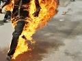 Nezamestnaný Francúz sa pred úradom podpálil: Chceli mu vziať peniaze z podpory!