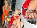 Blonďavé duo v akcii: Jednej vypadávali prsia, druhá otrčila holý zadok!