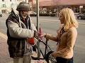 Poctivý bezdomovec vrátil diamantový prsteň a stane sa boháčom!