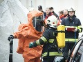 Panika na vláde: Vyhrážky Ficovi, zasahujú policajti aj hasiči!