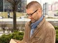Andymu Krausovi sme odovzdali sošku Telkáč roka 2012 za víťazstvo v kategórii najlepší Slovenský seriál. Vyhral totiž Panelák, ktorému píše scenár.