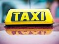 Taxikár dostal pokutu: Pasažier ho zatiaľ držal ako rukojemníka!