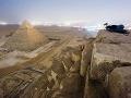 Rus vyliezol na vrchol Cheopsovej pyramídy: Tu je jedinečné FOTO!