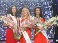 Úspešné finalistky súťaže krásy. Zľava Lucia Kačurová (II. Vicemiss), Jeanette Borhyová (Miss Universe SR 2013) a Lucia Slaninková (I. Vicemiss)