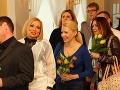 Aneta Sedlmair-Parišková priniesla neveste tulipány.