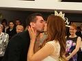 Prvý manželský bozk Hany a Adama bol skutočne vášnivý.