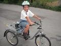 Malý šibal na svojom obľúbenom bicykli.