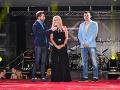 Šéfka Fashion TV Gabriela Drobová organizuje párty v Košiciach dvakrát do roka. Na fotografii pózuje spoločne s moderátorom Brunom Ciberejom (vľavo) a Stanislavom Kurilákom (vpravo).