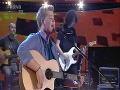 Adam Kukačka sa sprevádzal na gitare.