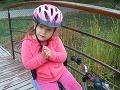 Hanka miluje bicyklovanie.