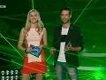 Moderátorská dvojica Zora Kepková a Roman Juraško. Blondínka zvolila krátke šaty.