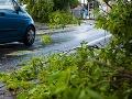Búrky v Česku zabíjali, trhali strechy a stromy