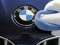 Majiteľovi začalo horieť BMW: Príčinou autobatéria, škoda tisícky eur!