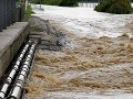 SHMÚ varuje pred stúpaním riek: Na severovýchode platí 3. stupeň!
