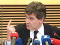Francúzsky minister kritizuje Barrosa: Podporuje extrémistické skupiny