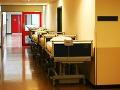 Nemocničných lôžok stále ubúda: Budú sa mať pacienti kde liečiť?
