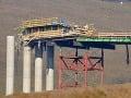 Tragédia na stavbe mosta nie je ani po roku vyšetrená: Kde to viazne?