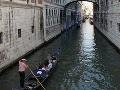 Lupiči si v Benátkach vyhliadli kuriérsky čln: Ukradli 1,3 milióna eur!