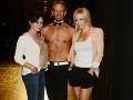 Hviezdy z Beverly Hills ohúrili: Branda s Kelly za krásky, namakaný Steve hore bez!