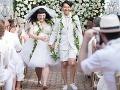 Tučná speváčka kypela zo svadobných šiat: Milovanú lesbičku si vzala bosá!