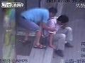 Ruka šmátralka: Taxikár okradol mladíka, ktorému došlo zle!
