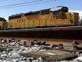 V USA sa vykoľajil vlak s nebezpečnými látkami!