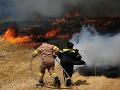 Grécko v plameňoch: Sužujú ho požiare, riziko zostáva stále extrémne vysoké