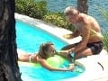 Laškovanie Judínyovej a Skrúcaného v bazéne: Pozrite, ako si užívali!