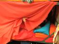 Zuzana Dzvoníková a Tomáš Paták zatúžili po súkromí. Posteľ si zakryli dekou. Vďaka zvukovým efektom boli však ostatní súťažiaci aj napriek tomu svedkami ich zbližovania.