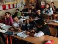 Amnesty: Diskriminácia Rómov vo vzdelávaní na Slovensku pokračuje