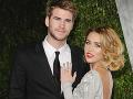 Miley Cyrus a Liam Hemsworth tvoria veľmi pekný pár.