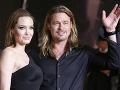 Angelina Jolie vracia tvrdý úder milencovi Bradovi: Smrdíš ako...!
