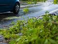 Tisíce Austrálčanov bez elektriny: Vietor stŕhal strechy, vyvracal stromy