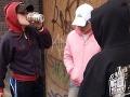 Tínedžerský gang násilníkov v Británii: Školáčky hromadne nútili k sexu aj mladí Slováci!